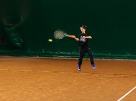 Balon tenis, teren acoperit pe timpul iernii